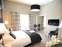 Nice, updated apartment by the River Forth