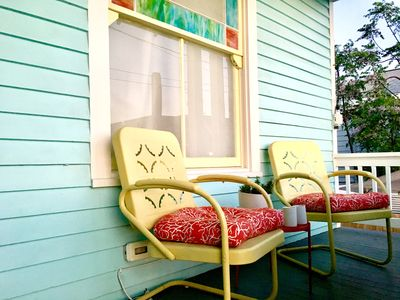 Enjoy mornings on the front porch. Coffee & creamer are provided for short stays