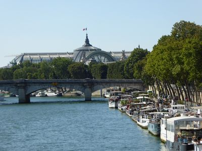 """Photo for Amazing Houseboat in """"Champs Elysées harbor"""" with virtual visit"""