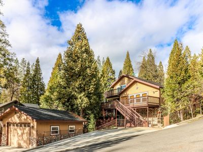 Photo for Willow Cove Luxury Lakeview at Bass Lake near Yosemite