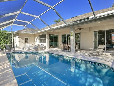 Photo for 7 min Walk to South Beach and Restaurants, Private Heated Pool, Jan 2019 Avail!
