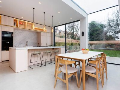 Photo for Stunning house boasting private garden and stylish spacious rooms (Veeve)