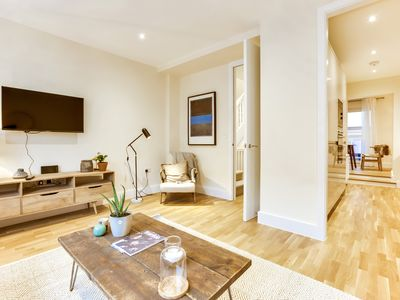 Photo for South Kensington II - Three Bedroom Apartment, Sleeps 7