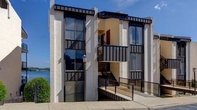 Photo for Gorgeous and Spacious Condo with 1 of a kind Lakeviews!! Pool Access!