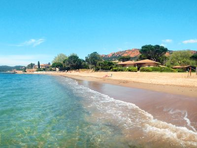Photo for COTTAGE is on a private beach along AGAY Bay, in the SAINT-RAPHAËL area (Var)