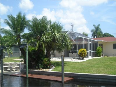 Lovely yacht club canal home with a pool!  Minutes to the open waters.