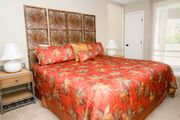 #207 Book 7 nights, no cleaning fee.