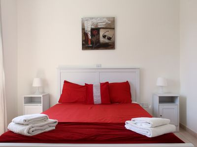 Photo for Stunning one bedroom 1st floor apartment (104)