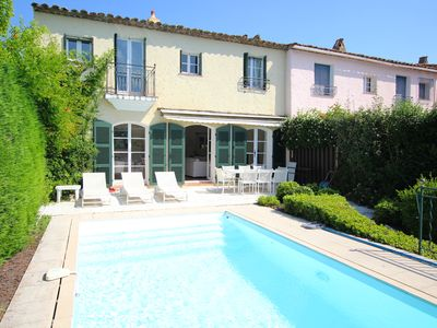 Photo for Wide house with A/C, WIFI, a swimming-pool and a mooring