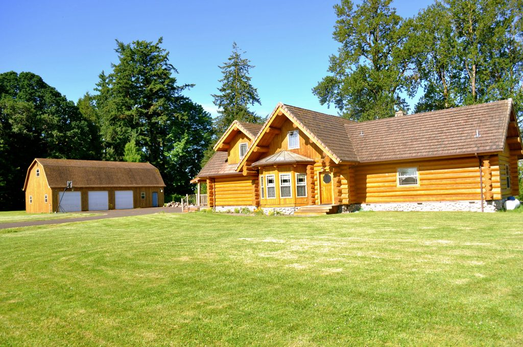 Picturesque family size Log Home, 10 Min to OSU - Shedd