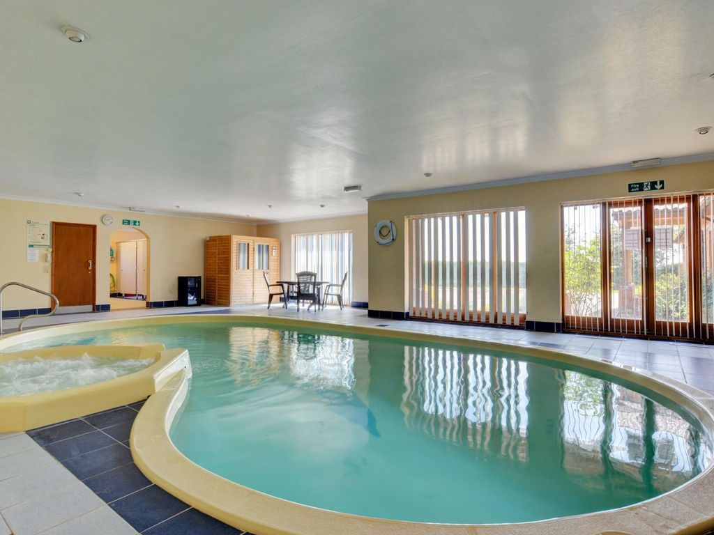Holiday Home With Jacuzzi And Indoor Swimming Pool In Norwich Norwich Norfolk East Of England
