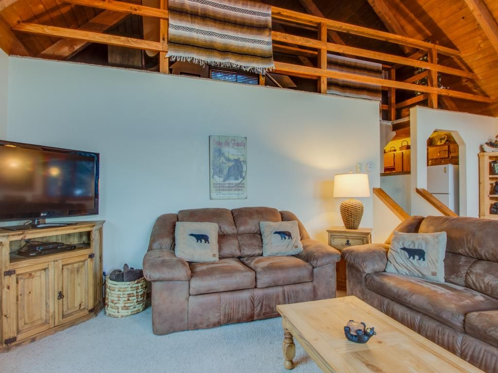 Mountain view cabin with two private decks near purgatory for Cabins to stay in durango colorado