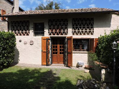 Photo for Typical apartment on the hills between Florence and Siena, near San Gimignano