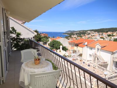 Photo for Studio flat with balcony and sea view Hvar