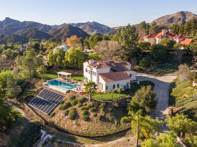 Photo for 4BR House Vacation Rental in Agoura Hills, California
