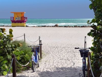 Photo for ATTRACTIVE AND CHIC Beachfront 1BR 1B Apt