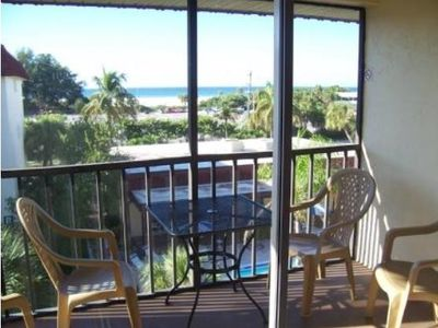 Photo for Beautiful condo directly across from Siesta Beach - Renovated with beach, gulf and pool views