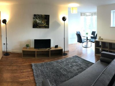 Photo for Walking distance to Maidenhead town (sleeps 3)