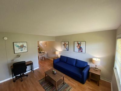 Photo for ⁶2 Bdrm with private yard next to public transport has strong WIFI Central Loc.⁰