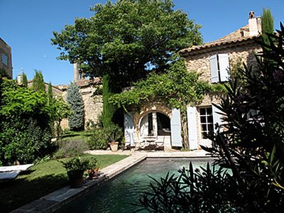 Photo for Old country house in a very quiet hamlet of the Luberon