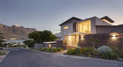 Photo for Luxurious and Modern Villa in Hout Bay