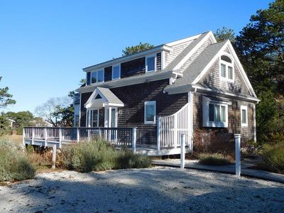 Photo for Attractive 3BR Cape Home Close to Indian Neck Beach