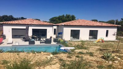 Photo for Independent villa near Avignon