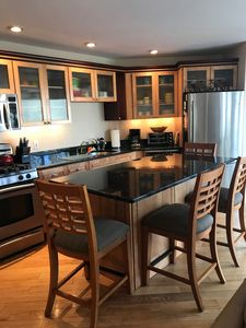 2019 RATES! East End jewel w Priv. deck w grill,ice, AC,pking,100steps  2Comm St! - Provincetown