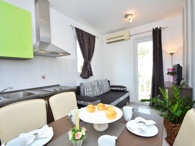 Photo for Apartment 436 m from the center of Tribunj with Parking, Internet, Washing machine, Air conditioning (113865)