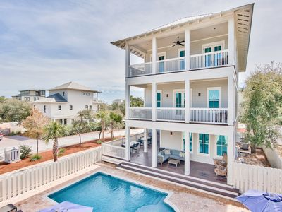 Photo for Private Heated Pool! Minutes from Beach! Gulf and Lake Views! Sonos!