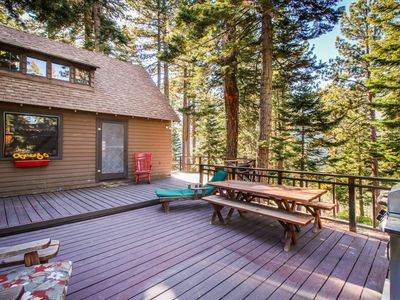 Photo for Cherry Leaf Lodge-Dog-friendly escape with lake views and lake access!