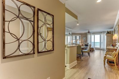 Entryway Leading to Great Room