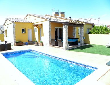 Photo for Chalet in l'Escala with Pool