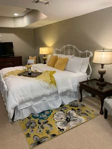 Photo for 🌼 Clean, Cozy, Comfy, King bed, close to Atlanta Airport and Pinewood Studios!