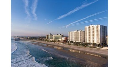 Photo for A beautiful condo right on Daytona Beach