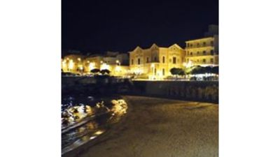 Photo for Apartment 100 meters from the sea - sleeps 6