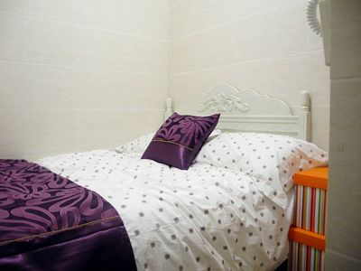 Room 2 mins to MTR Nearby Shopping Area
