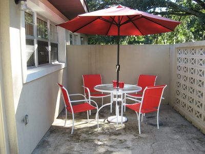 BUDGET: quiet one Bedroom apt, private patio, greenspace, close to UF & downtown