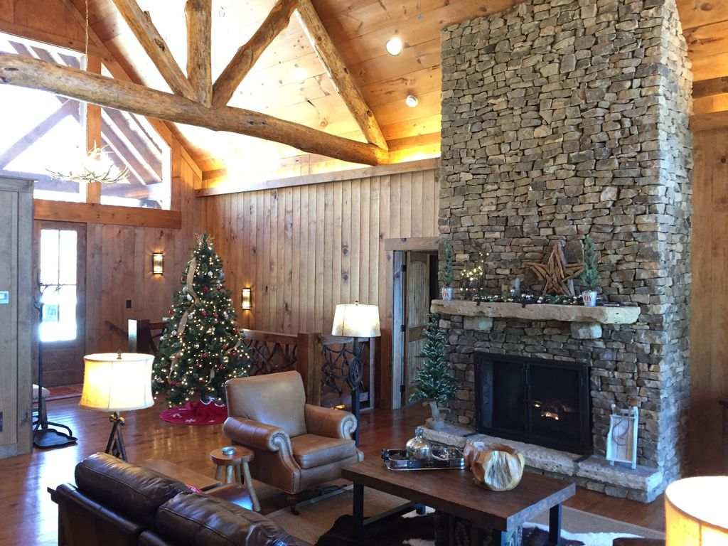 Photo for Luxury family-friendly cabin w/lake views, hot tub, and game room!