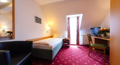 Photo for Single Room - Akzent Hotel Goldner Stern & Sternla