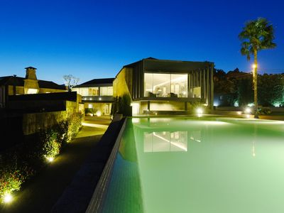Photo for Villa Sta. Cross- Swimming pool and private garden -15 minutes from Porto- Free Wifi