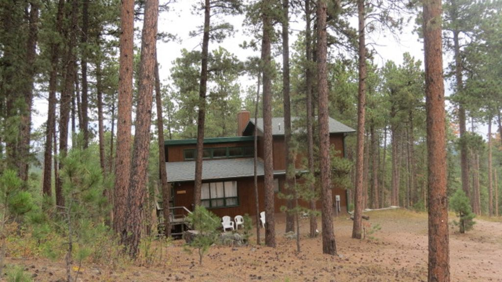 Close to lake pactola centrally located to vrbo for Pactola lake cabins