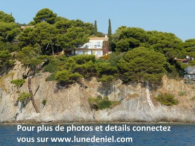 Photo for Villa direct access to the sea + unique view on the islands of Porquerolles