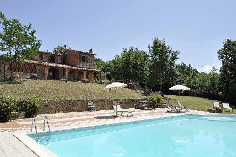 Vacances location villa italie toscane pr s de sienne for Location meuble court terme