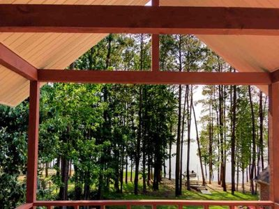 Photo for Awesome Waterfront Lake House on Sam Rayburn Lake, 4 Bedrooms, 3 Bath, Sleeps 12