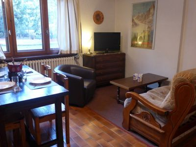 Photo for 2 bedroom Apartment, sleeps 4 with WiFi and Walk to Shops