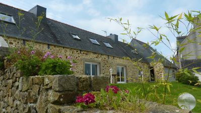 Photo for cottage 8 p (3 bedrooms, 8 beds) at the seaside in Brittany - peninsula of Crozon