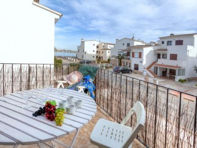 Photo for Apartment Sant Carles in Llançà - 6 persons, 3 bedrooms