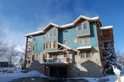 3 Bedroom Town Pointe just steps from Town Lift and Main Street