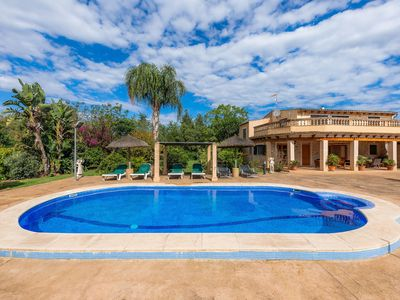 Photo for Fantastic Villa with Pool, Garden, Wi-Fi, Heating and Air Conditioning; Parking available